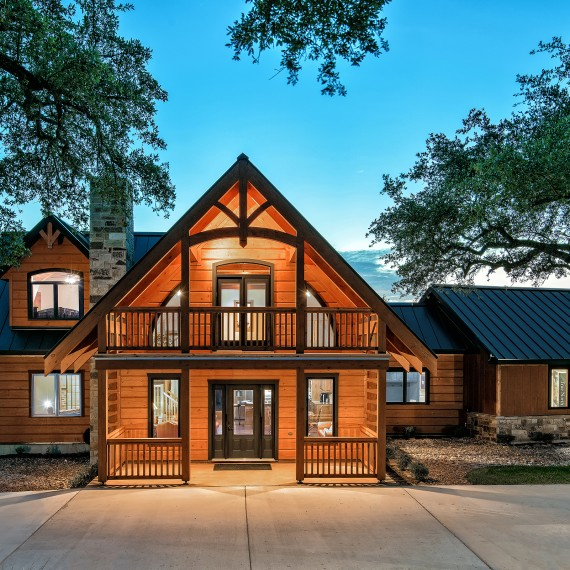 Custom Log Home Canyon Lake
