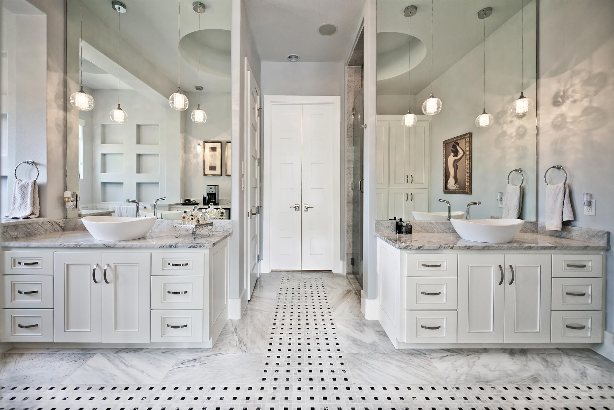 Vanities For Bedrooms With Lights And Mirror Master Baths Your Master Suite Retreat